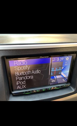 Pioneer AVH-2400NEX DOUBLE DIN Receiver Used but I perfect conditions • plays dvd • CarPlay • USB, • for Sale in Commerce, CA