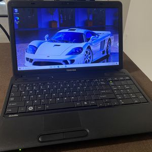Laptop Toshiba 10GB RAM !!!! NICE LAPTOP 320 HDD , Windows 10 , Excell Word installed , camera , charger included for Sale in Pompano Beach, FL