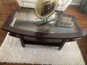 Coffee table, 2 side tables for Sale in Freeport, NY
