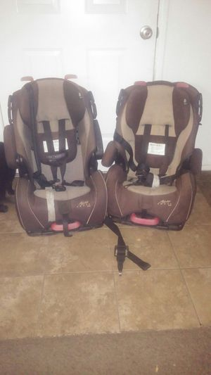 Alpha Omega car seats x2 for Sale in El Cajon, CA