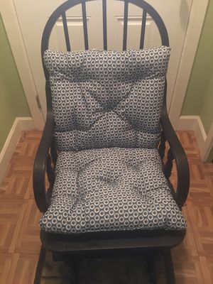 Antique rocking chair for Sale in Pasco, WA