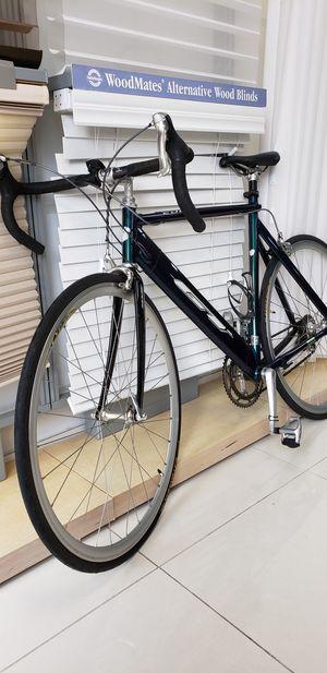 GT edge road bike for Sale in Miami Beach, FL
