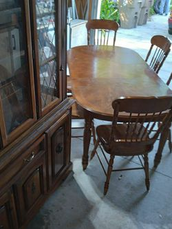 Antique Solid Wood 6 Chair dining Table and China Cabinet Brown Light Color Acept Best Offer for Sale in Kissimmee,  FL