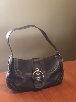 Coach leather purse & matching wallet (Black) for Sale in Fairfax, VA