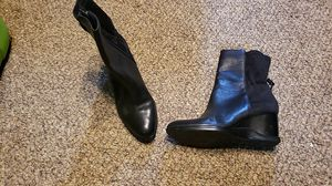Womens Calvin Klein ankle boots size 7.5 for Sale in Kent, WA