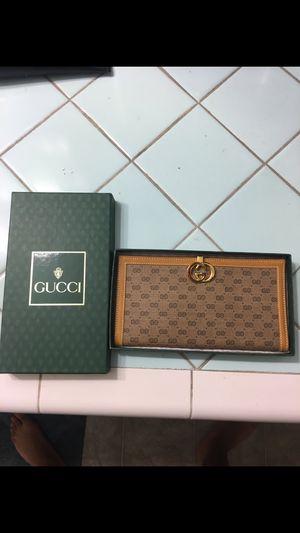 Gucci wallet for Sale in Manhattan Beach, CA