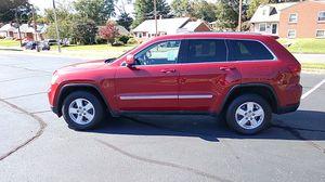 Jeep grand Cherokee Laredo 4x4 for Sale in Roanoke, VA