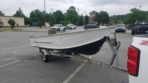 16 foot v hull starcraft for Sale in Dallas, GA