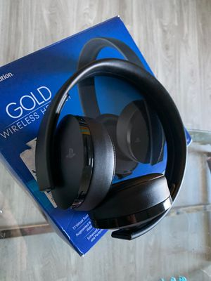PS4 Headphones Gold Wireless for Sale in Carrollton, TX