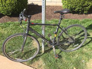"Trek FX 7.2 20"" frame black hybrid bicycle + lock for Sale in Charlottesville, VA"