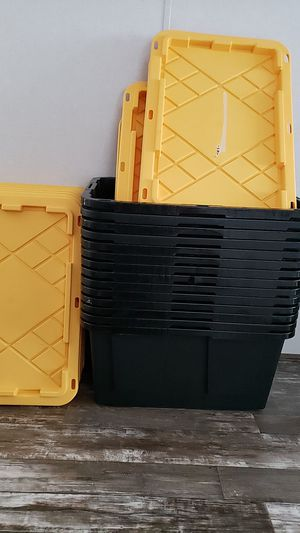"Bins with lids, i ""think"" they are 16 gallons , 5 dollars each or best offer. for Sale in Collegedale, TN"