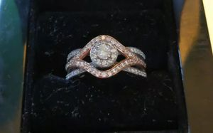Lovemark Two Tone 10K Gold 3/4 CT T.W Diamond cluster Engagement Ring for Sale in Murray, UT