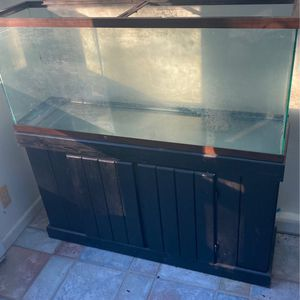 60 Gal Fish Tank And Stand for Sale in Monroe Township, NJ