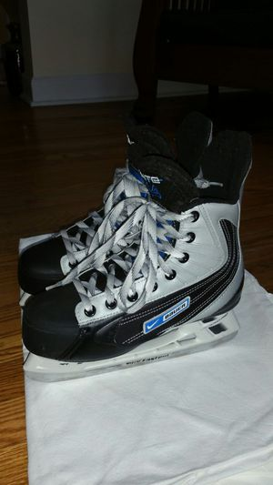 Bauer Nike Ignite 44 junior size 5R for Sale in Winchester, CT