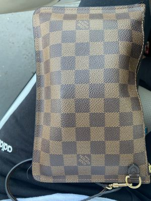 NEVERFULL LV WRISTLET for Sale in Spring Valley, CA