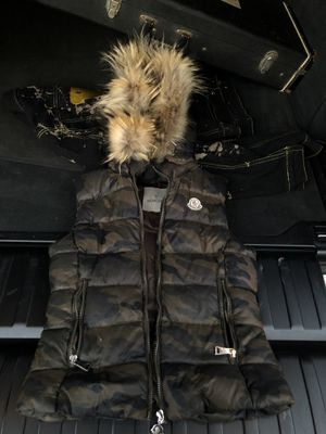 Moncler vest with hood for Sale in Los Angeles, CA