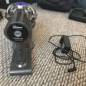 Dyson V6 Trigger Cordless Handheld Vacuum Cleaner (no Accessories Except Power Adapter) for Sale in Culver City, CA