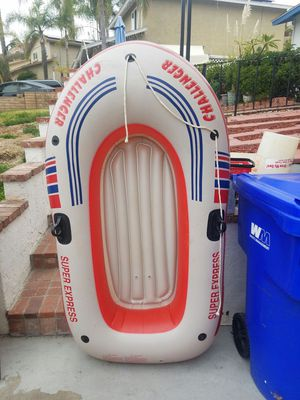 Inflatable boat around 6ft for Sale in Oceanside, CA
