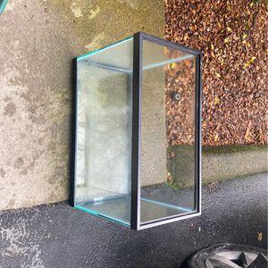 Fish aquarium *no cracks* 20 gallon high for Sale in Everett, WA