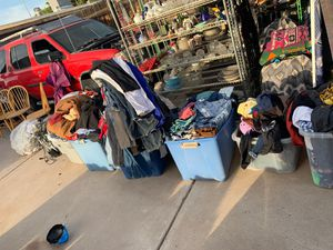 Free clothes for Sale in Phoenix, AZ