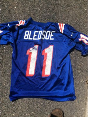 Throwback Patriots Drew Bledsoe Jersey (hole under right sleeve) for Sale in Quincy, MA