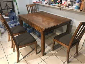 Dinning table set and two bar stool for Sale in Parkland, FL