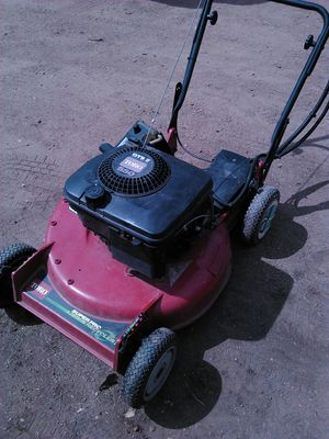 Toro 22 in W 163 cc Self propelled Mulching LAWN Mower for Sale in Colorado Springs, CO