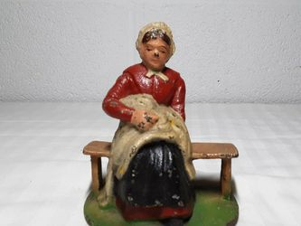 Vintage Wilton Amish Woman on Bench Cast Iron Bookends for Sale in Cleveland,  OH