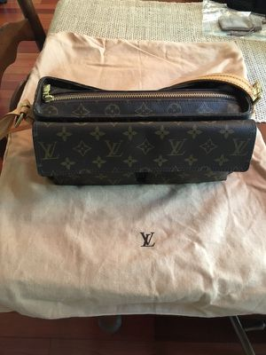 Louis Vuitton Viva Cite MM Monogram Canvas Shoulder Handbag for Sale in Clifton, VA