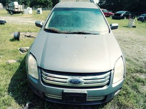 07 Ford Fusion FWD(Parting out) for Sale in Crewe, VA