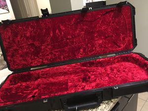 I series Skb Strat/Tele case for Sale in Atlanta, GA