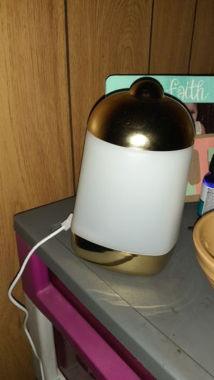 Cool mist ultrasonic aroma diffuser for Sale in Mount Pleasant, TN