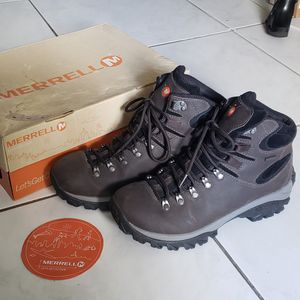 Like New mens Merrell Ridgeway boots for Sale in Miami, FL