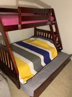 Bunk bed Twin-Full-Twin for Sale in Deerfield Beach, FL