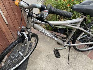 MOTIV aluminum bike 21 speed front suspension memory foam seat for Sale in Cerritos, CA