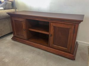 Real wood TV stand/entertainment center like new for Sale in Purcellville, VA