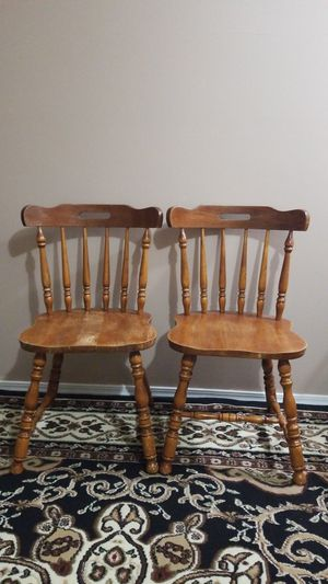 2 wooden Chairs for Sale in Manchester, MO