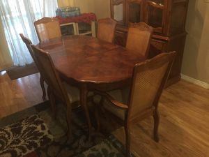7 piece dining table with hutch for Sale in Glendale, AZ
