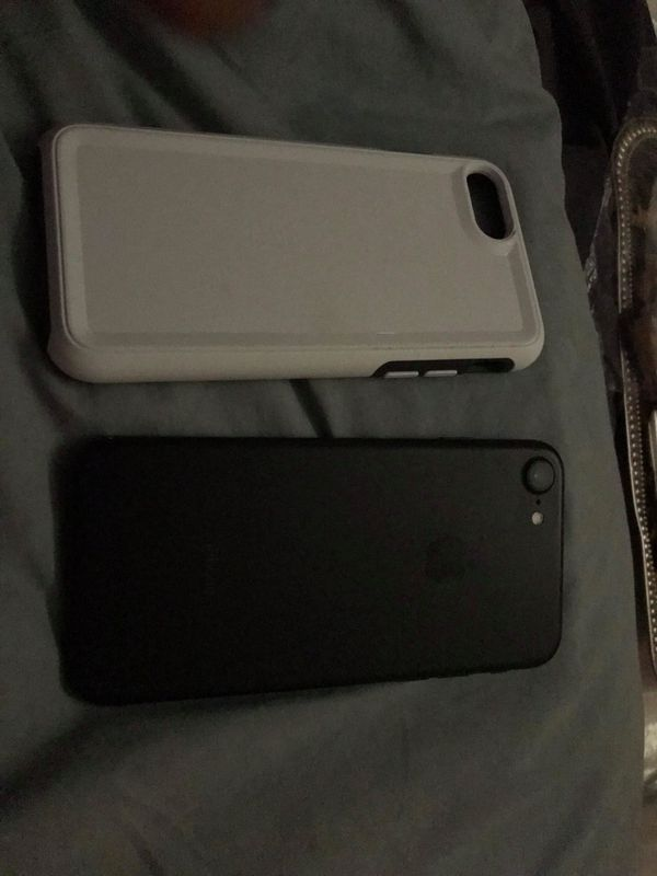 iPhone 7 case and charger