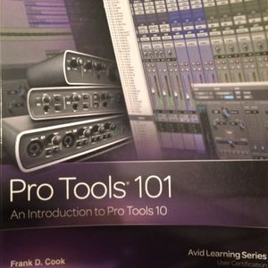 Pro Tool 101 textbook with tutorial DVD for Sale in Garland, TX