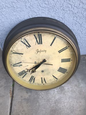 Aged Wall Clock for Sale in Selma, CA
