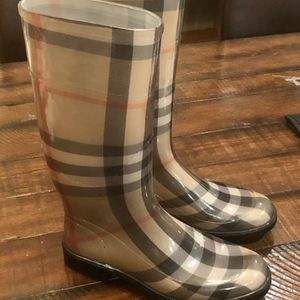Burberry Check House Womens Rain Boots Sz10 for Sale in San Carlos, CA