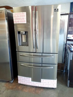 New Samsung 4 Door French Door Showcase Refrigerator for Sale in Long Beach, CA