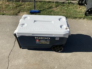 Igloo cooler for Sale in Modesto, CA
