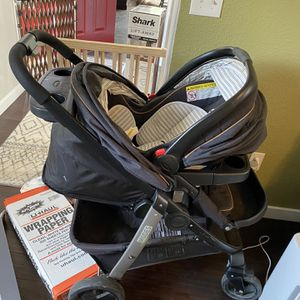 Graco Infant Car seat And Quick Connect Stroller for Sale in Tacoma, WA
