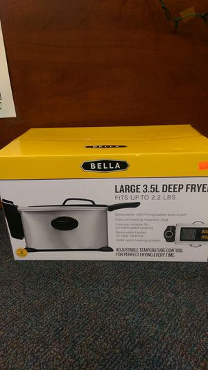 Large 3.5 L deep fryer for Sale in Riverside, CA