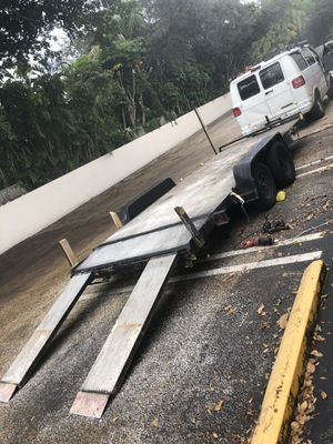 18Ft Car or hauling Trailer Flat bed 18/6.5 Diamond plated deck Two New Axels Not in a rush to sell (Can be Transformed) No Accidents, Clean Tires/Ax for Sale in Tamarac, FL