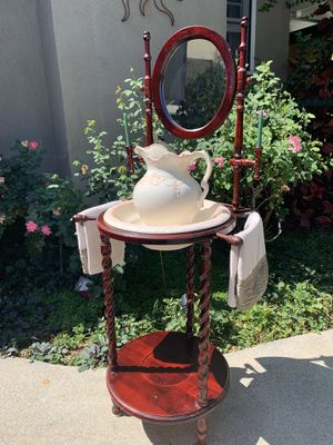 ANTWASH BASIN WITH PITCHER / BOWL AND STAND for Sale in Whittier, CA