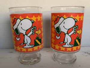 Vintage 1965 Peanuts Snoopy and Woodstock BIG 32 oz. Christmas Glass. I have two of these available. Buy one or both. Price is $10 per glass. Featu for Sale in Lakewood, WA