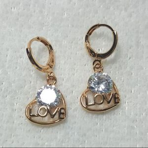 Love 18k Gold Filled White Diamond Zircon Topaz Quartz Women Eerrings. for Sale in Queens, NY